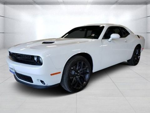 New 2019 DODGE Challenger SXT RWD Coupe